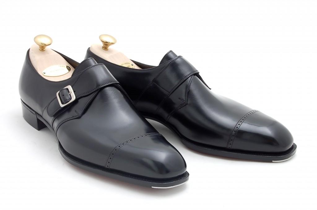 scarpa nera elegante uomo