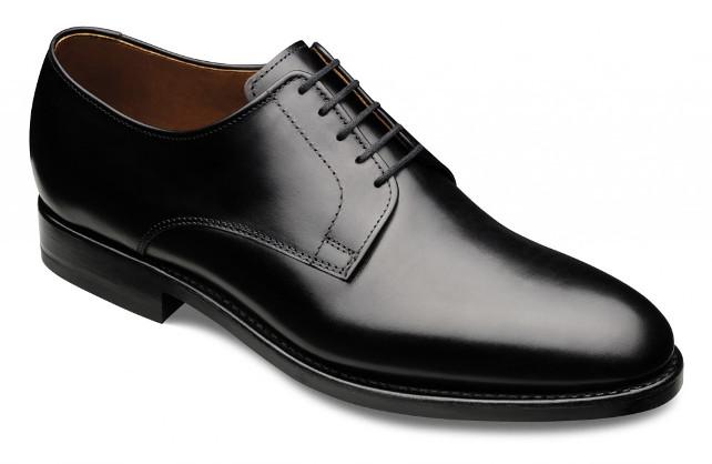 Scarpe Per Matrimonio Uomo : Come deve essere fatta una scarpa nera da cerimonia