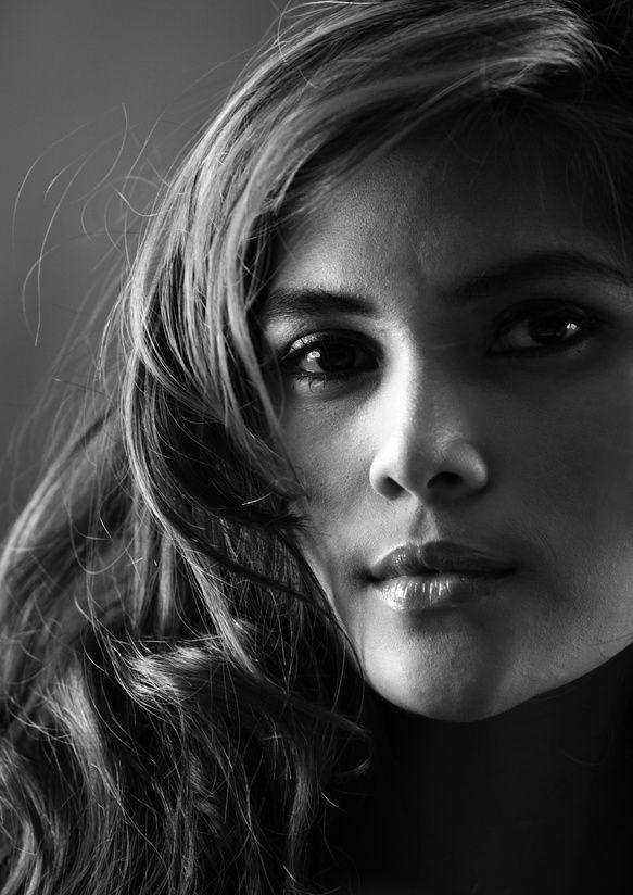ritratto in bianco e nero di donna
